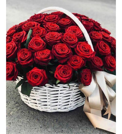 Vörös rózsakosár