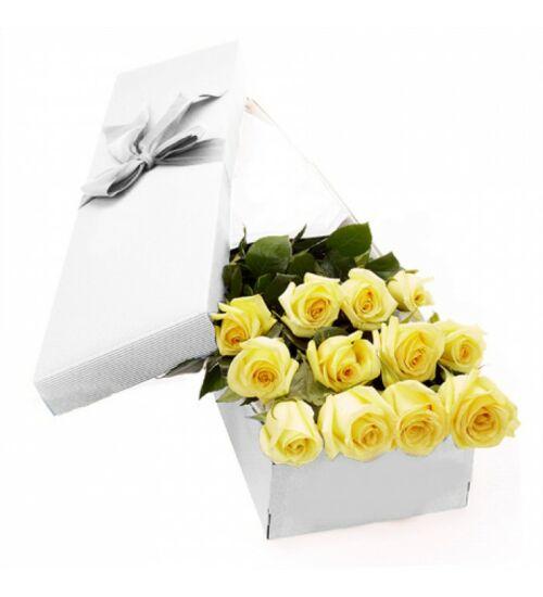 Sárga rózsa díszdobozban