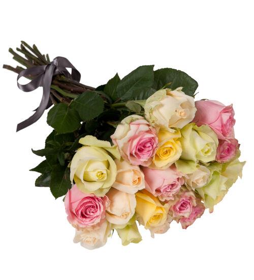 Pasztell rózsa kötegben
